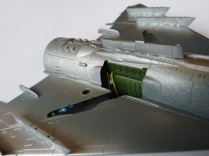 Engine walls, doubling as MLG bay walls, painted and detailed