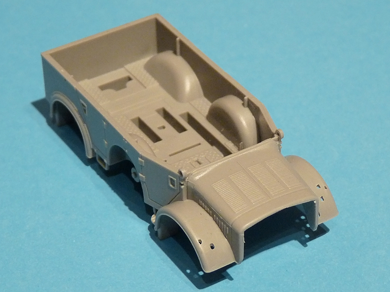 Dragon 7422 Horch vehicle body - top view
