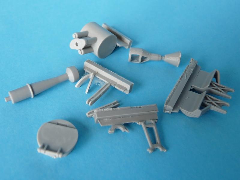 Gun assembly, commander's hatch, outriggers, gun supports, M2 mount