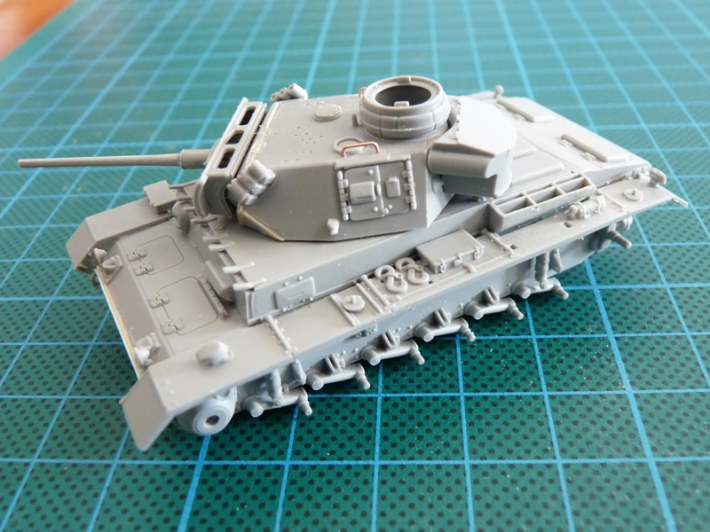 Dragon 1/72 Pz III Ausf. L, kit 7385 A look from the left side
