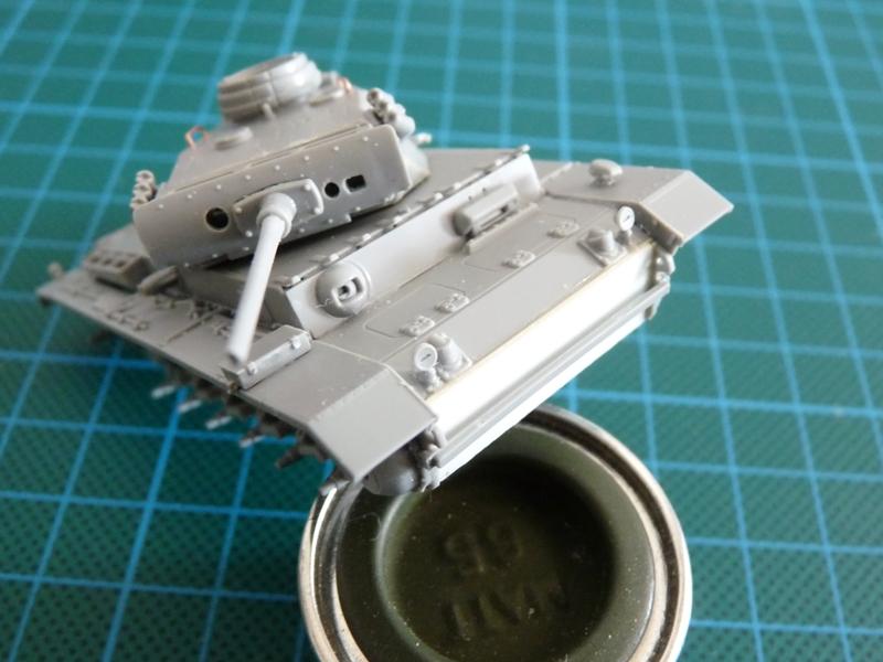 Dragon 1/72 Pz III Ausf. L, kit 7385 Lower glacis plate improvement