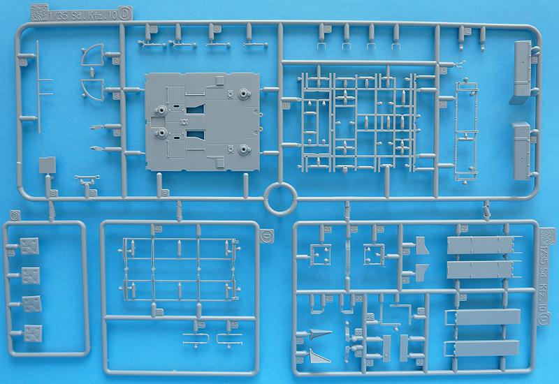 Dragon 6739 1/35 SdKfz 10/4 Sprue D (blue)