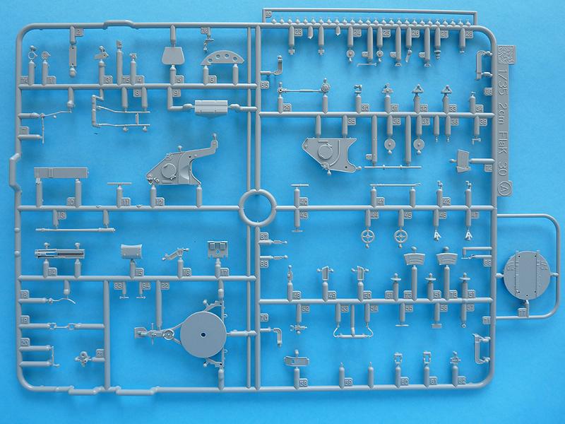 Dragon 6739 1/35 SdKfz 10/4 Sprue A (blue)