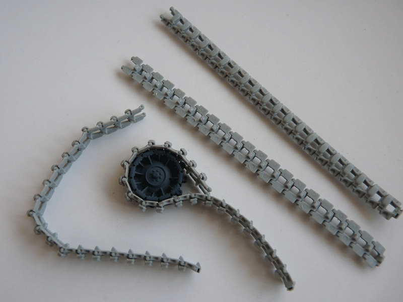 Dragon 6739 1/35 SdKfz 10/4 fur 2cm FLAK 30 Tracks and idlers