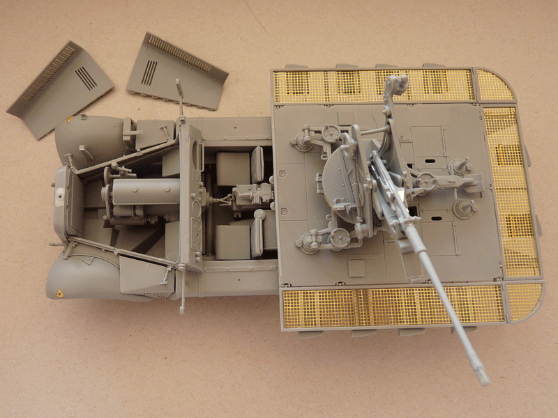 Dragon 6739 1/35 SdKfz 10/4 fur 2cm FLAK 30 Overall assembly with opened hood