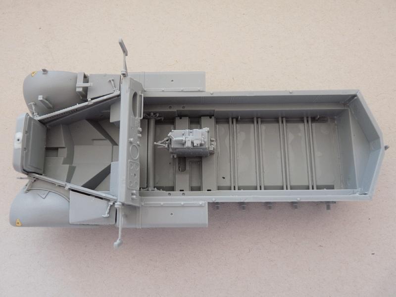 Dragon 6739 1/35 SdKfz 10/4 fur 2cm FLAK 30 Hull with fenders