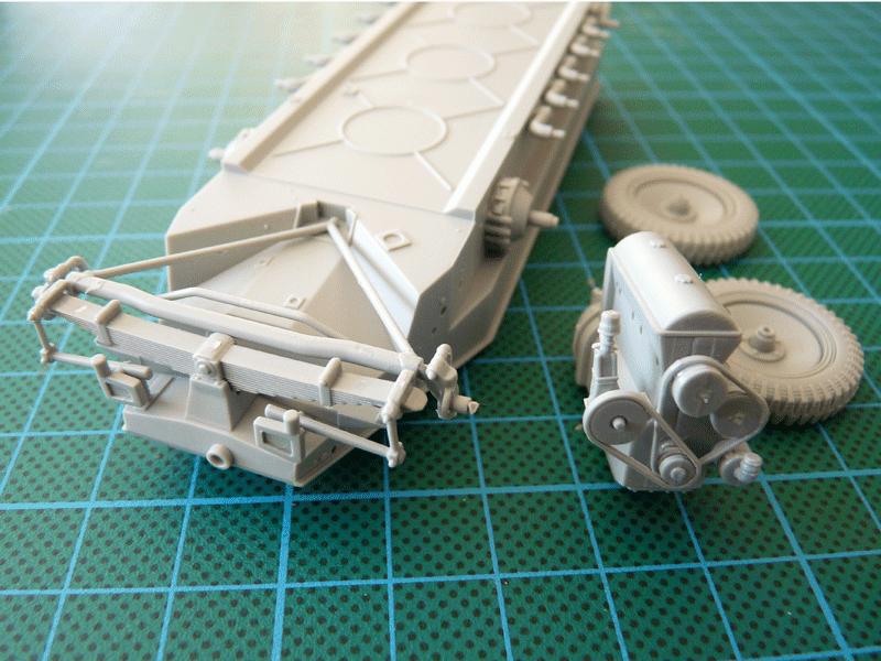 Dragon 6739 1/35 SdKfz 10/4 fur 2cm FLAK 30 Engine and front suspension