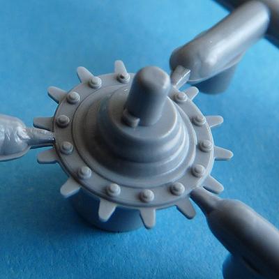 Zvezda's 1/72 IS-2, kit 5011 Drive sprocket, inner half