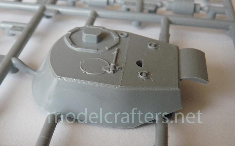 Zvezda's 1/72 IS-2, kit 5011 Turret right side 2