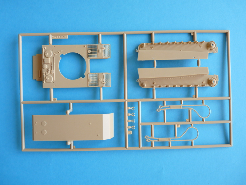 Revell 1/72 Pz. Kpfw. VI Ausf. E, kit 03116 Sprue A - hull components