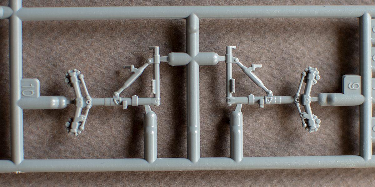 Special Hobby 1/72 Viggen main gear legs